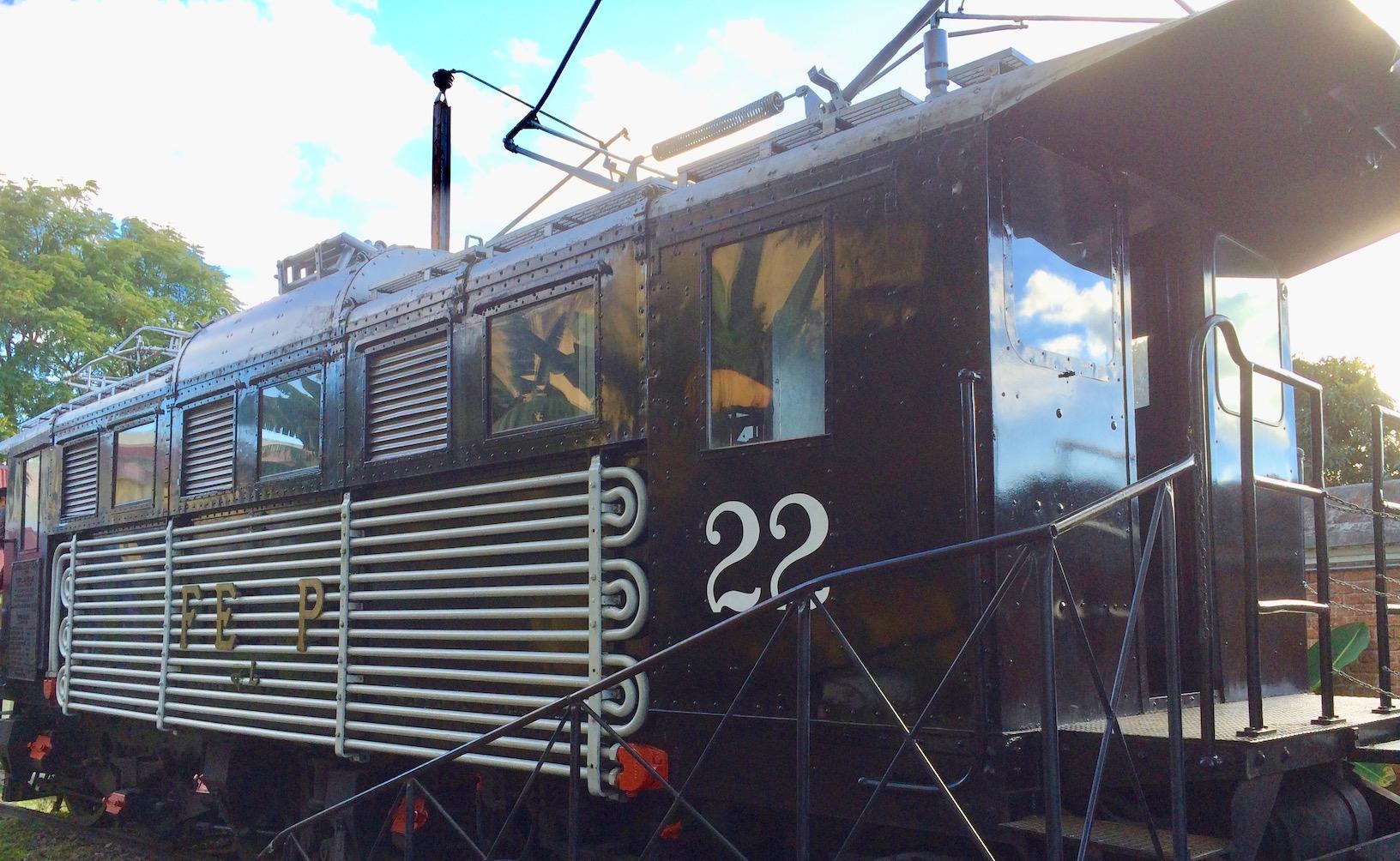 old locomotive at Childrens Museum costa rica